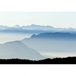 Tableau sommets de montagnes dans la brume