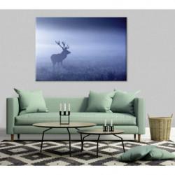 Ciervo en la niebla azul