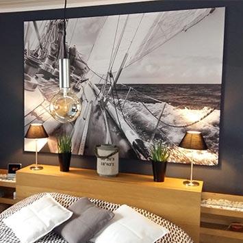 Tableau bateau noir et blanc chez Christophe