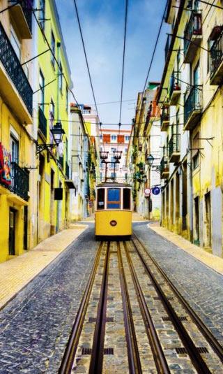 Papier peint tramway jaune à Lisbonne