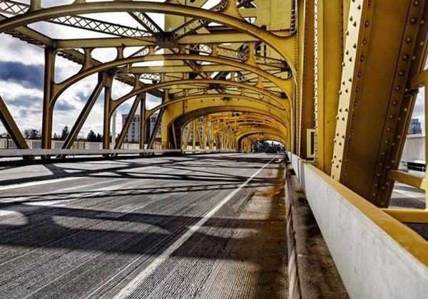 Poster pont suspendu jaune